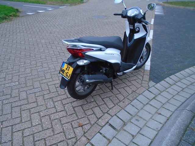 Kymco Scooter 125i People One