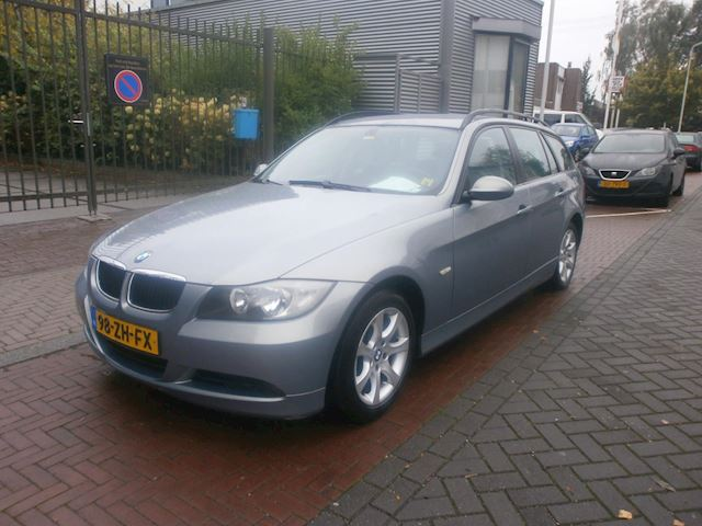 BMW 3-serie Touring 318d Business Line