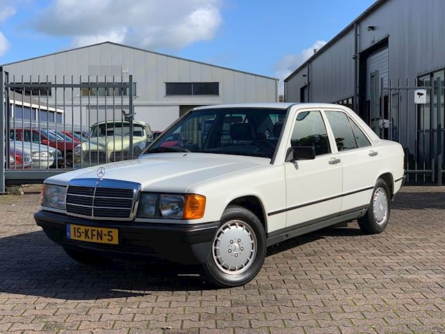 Mercedes-Benz 190-serie 2.0 E Automaat