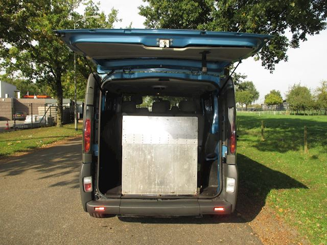 Renault Trafic Combi 2.0-16V L1H1 7 pers. invalide/rolstoelbus