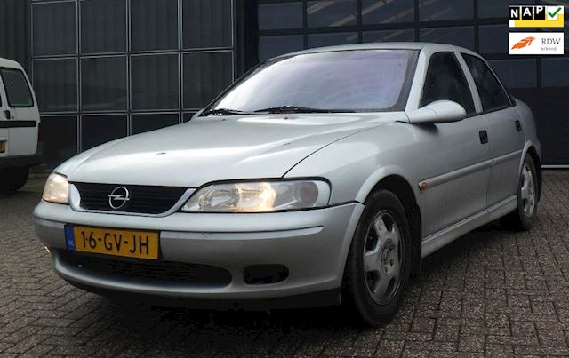Opel Vectra 1.6-16V Business Edition !! EXPORT KOOPJE + AIRCO !!