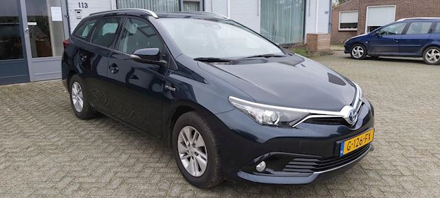 Toyota Auris Touring Sports 1.8 Hybrid Now Go