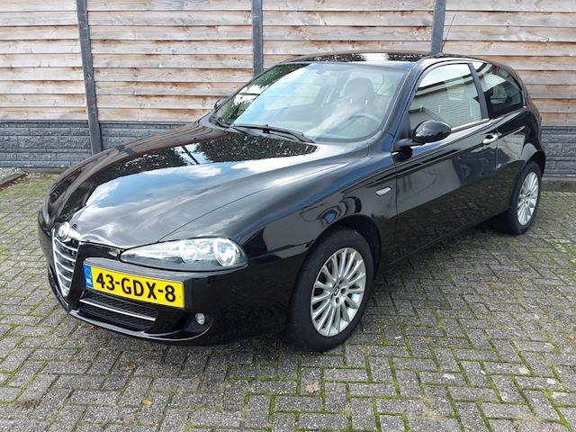 Alfa Romeo 147 1.6 CLIMA LEER NAVI ONDERHOUDSHISTORIE