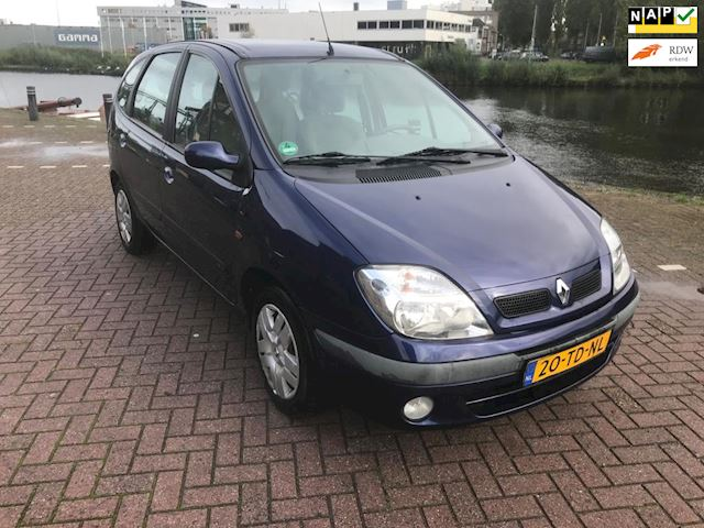 Renault Scénic 1.6-16V Expression Sport airco automaat met 156.000 km zeer mooie auto bj 2002