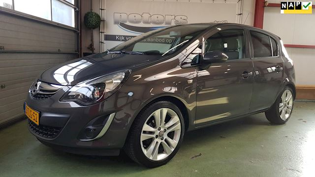Opel Corsa 1.4-16V Cosmo PDC, AFL, 17 inch Lichtmetaal