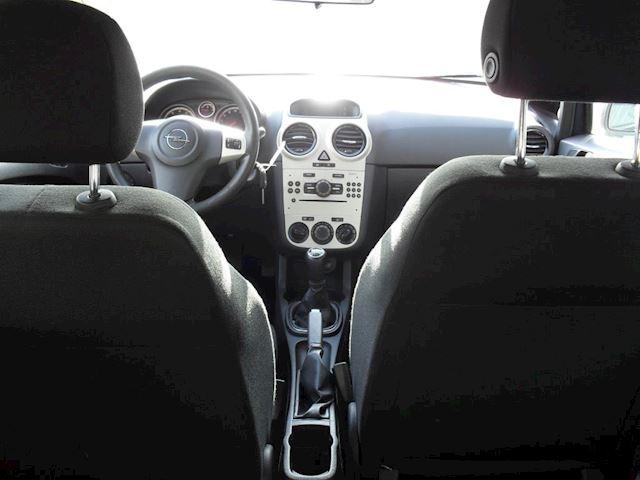 Opel Corsa 1.2-16V Cosmo