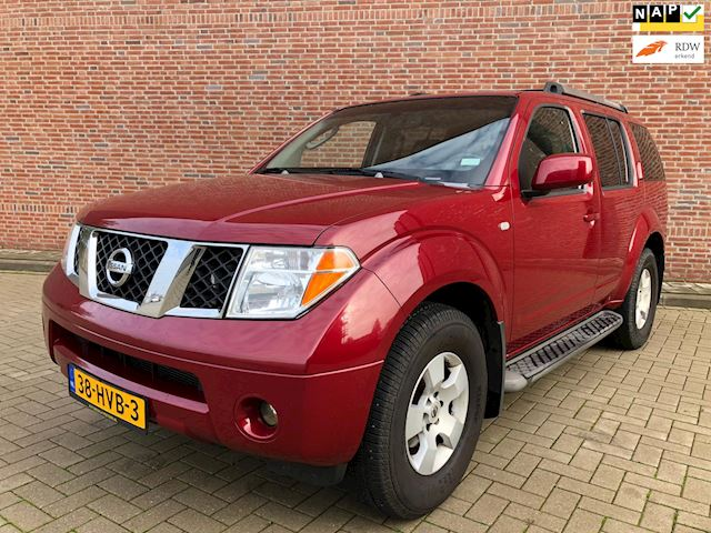 Nissan Pathfinder 4.0 V6 LE Premium IT