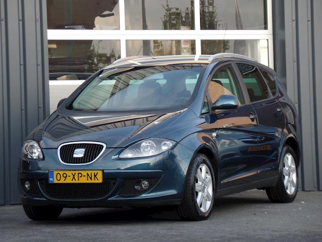 Seat Altea XL 2.0 FSI Businessline Automaat, Cruise, Clima, LM Velgen, Trekhaak