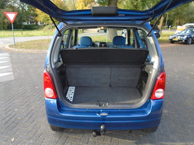 Opel Agila 1.2-16V Color Edition