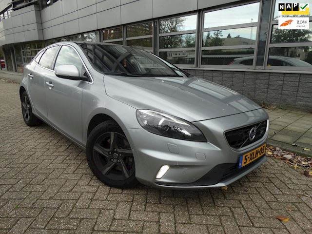 Volvo V40 2.0 D4 R-Design Business VOLL OPTIE!!!NAVI /LEER/MF STUUR/PANORAMA/APK