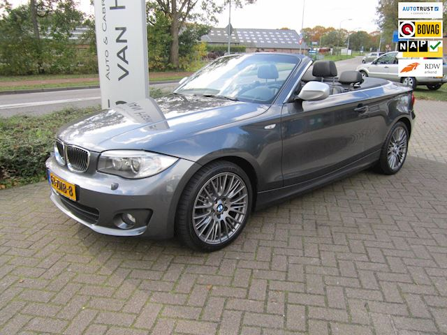BMW 1-serie Cabrio 123d High Executive /AUTOMAAT/LEDER/CLIMATE EN CRUISE CONTROL/PDC/NIEUWSTAAT !!