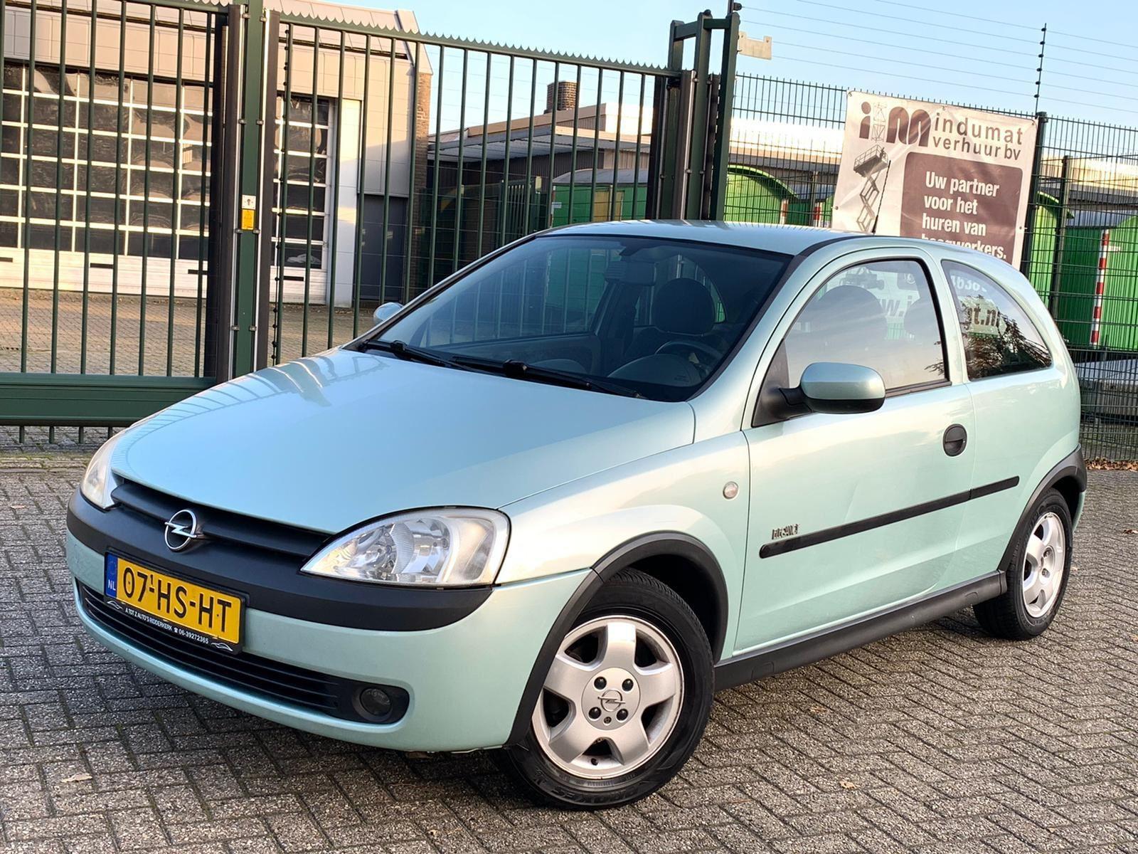 Opel Corsa occasion - A tot Z Auto's B.V.