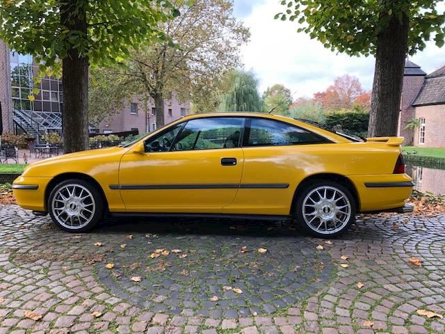 Opel Calibra 2.0i Color Edition