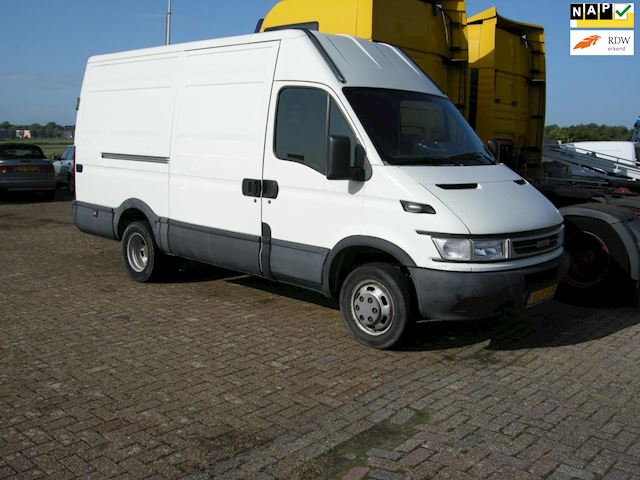 Iveco Daily 35 S 12V 330 H3 dubb lucht
