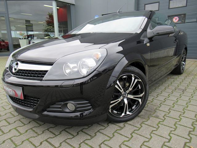Opel Astra TwinTop 1.8 Cosmo / Cruise / Clima / Pdc / Navi / Lmv