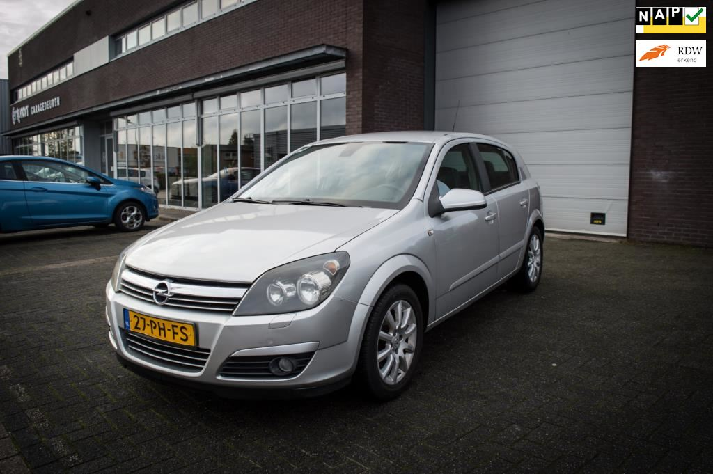Opel Astra occasion - Royal Rides