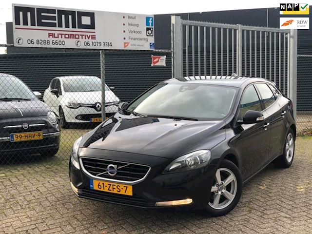 Volvo V40 1.6 D2 Kinetic *Camera*Digi Tellers*NAVI*