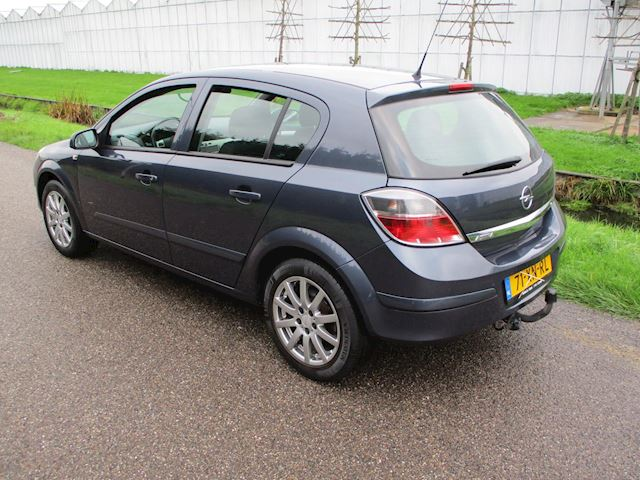 Opel Astra 1.6 Business 5 Drs met Airco