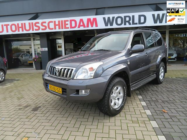 Toyota Land Cruiser 3.0 D-4D LX Window Van marge