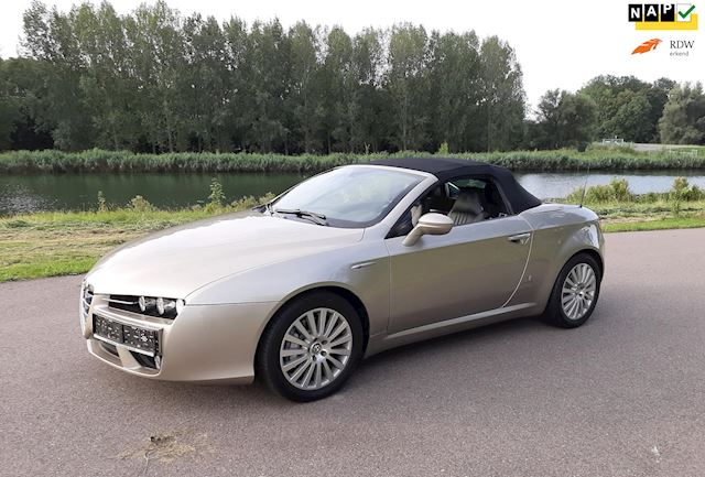 Alfa Romeo Spider 3.2 JTS Q4 Exclusive Only 15.500 km's