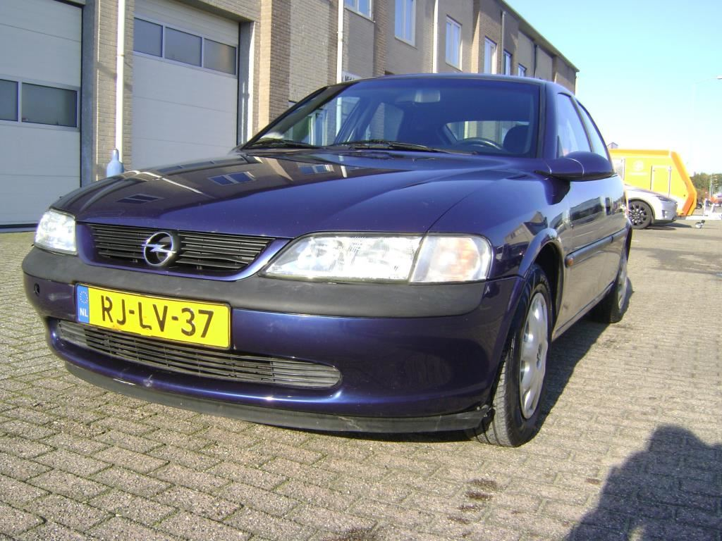 Opel Vectra occasion - Middendorp Auto's