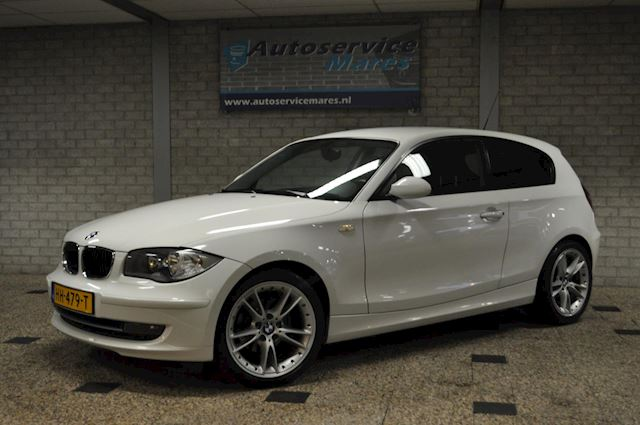 BMW 116i Executive, Airco, PDC, 18 inch LM
