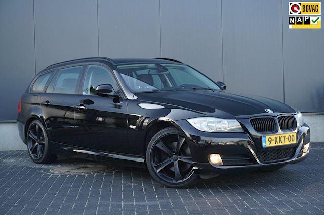 BMW 3-serie Touring 318d Luxury Line CLIMA CRUISE NAVI 18 INCH LM BIJ 170.350 KM SPLINTERNIEUWE MOTOR