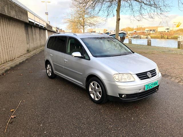 Volkswagen Touran 2.0 TDI Highline stoelverwarming-cruise control