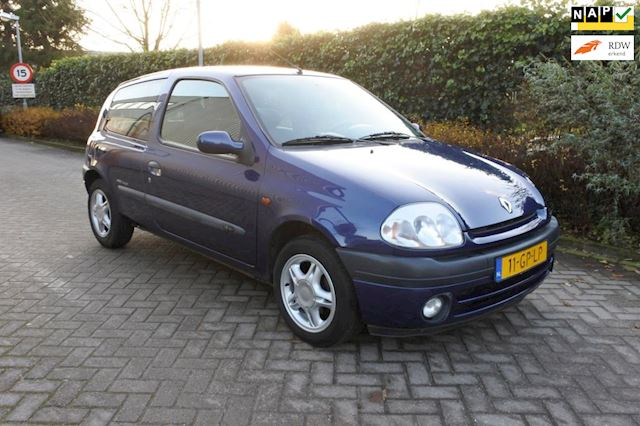 Renault Clio 1.2-16V Authentique ( schade )