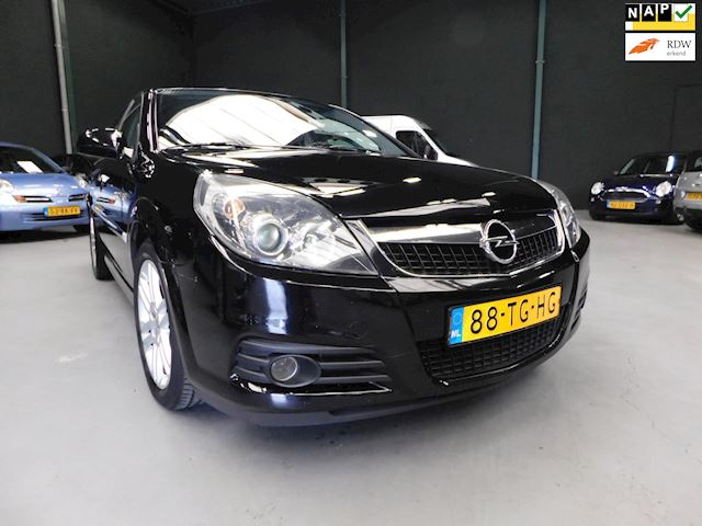 Opel Vectra GTS 1.8-16V Business