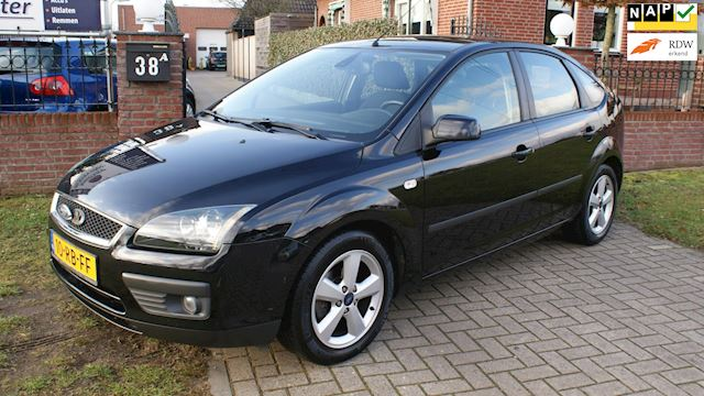 Ford Focus 1.6-16V First Edition top auto