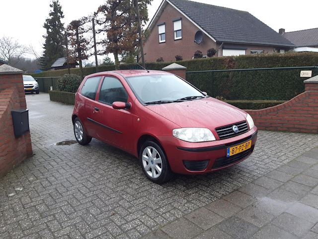 Fiat Punto 1.4-16V Young