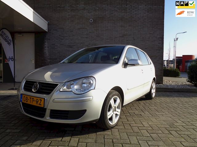 Volkswagen Polo 1.4-16V Optive //Airco//5-Deurs//Trekhaak!