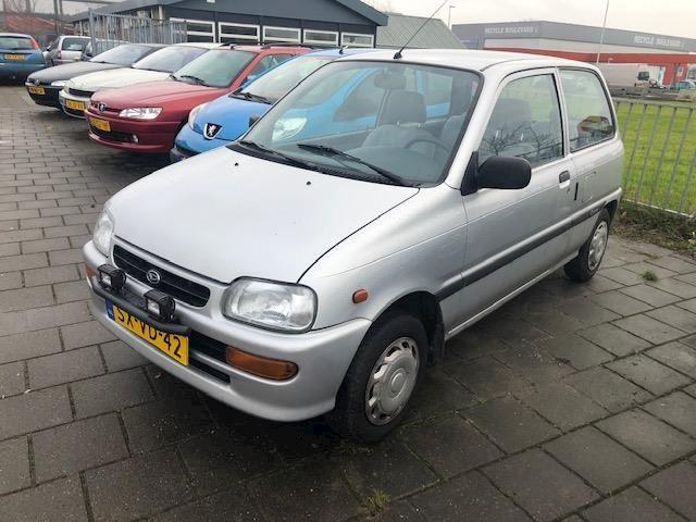 Daihatsu Cuore 850 Trendy 65454 Km (nap).. Apk 13-08-2020.