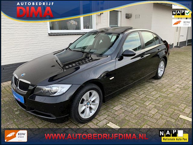 BMW 3-serie 320i Executive / Xenon/ Stoelverwarming/ Cruise Control/ PDC/ ECC