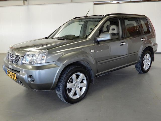 Nissan X-Trail 2.2 dCi Columbia Style