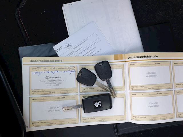 Peugeot 407 1.8-16V Premium Clima Cruise Netjes!!