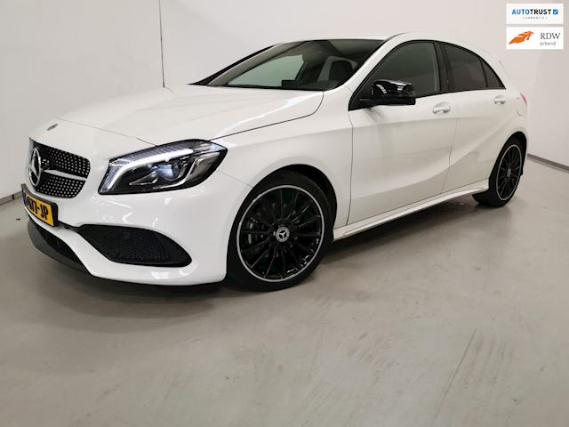Mercedes-Benz A-klasse 200 d AMG Night edition / Automaat / Navigatie / LED