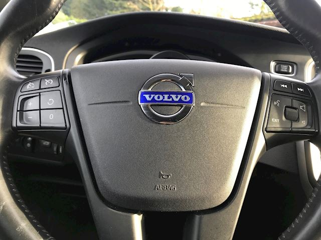 Volvo V40 1.6 D2 Kinetic , Navi, camera, PDC, trekhaak, nette auto
