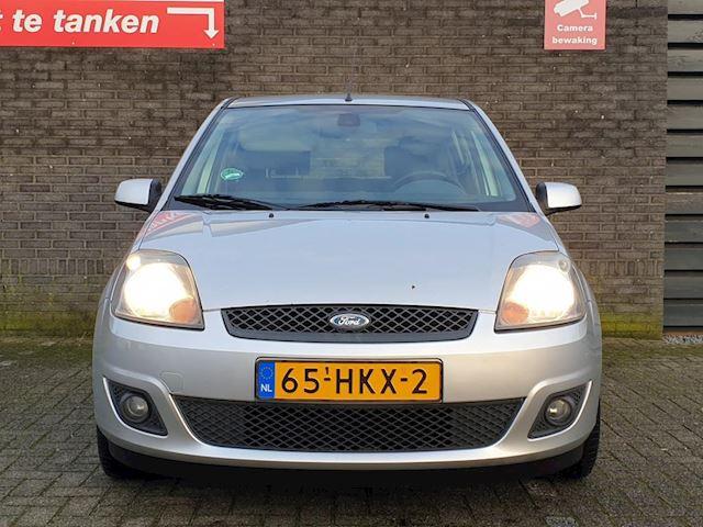 Ford Fiesta 1.3-8V Futura XL Clima PDC Injuilkoopje! 1 Jaar APK!