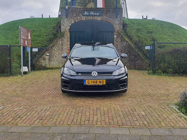 Volkswagen Golf 2.0 TSI R 4Motion
