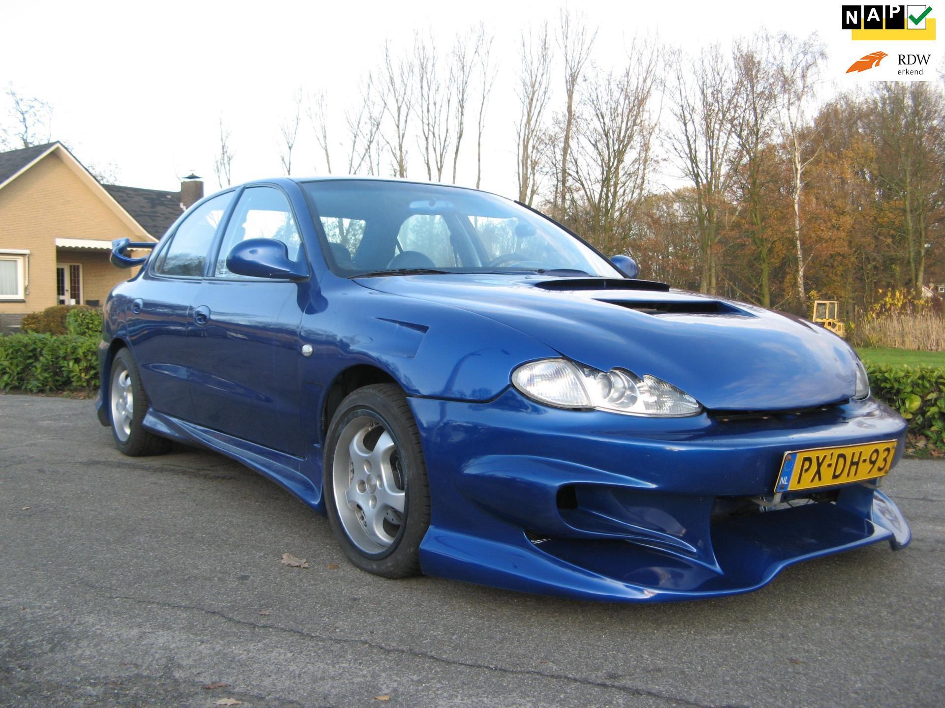 Hyundai Lantra occasion - Ton van Soest Auto's