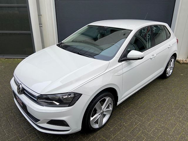 Volkswagen Polo 1.0 MPI Comfortline Airco/Led/MF Stuur/Touch Screen/Bluetooth/17 Inch/USB/AUX/Apk 05-2022