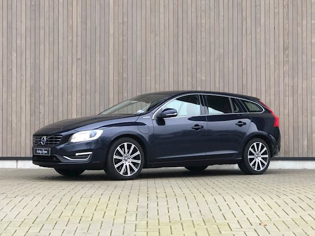 Volvo V60 2.4 D6 Twin Engine R-Design 2015