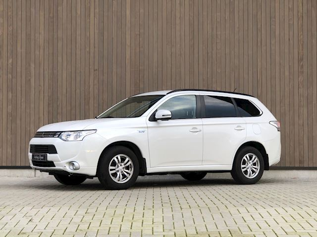 Mitsubishi Outlander 2.0 PHEV Business Edition 2014 Wit