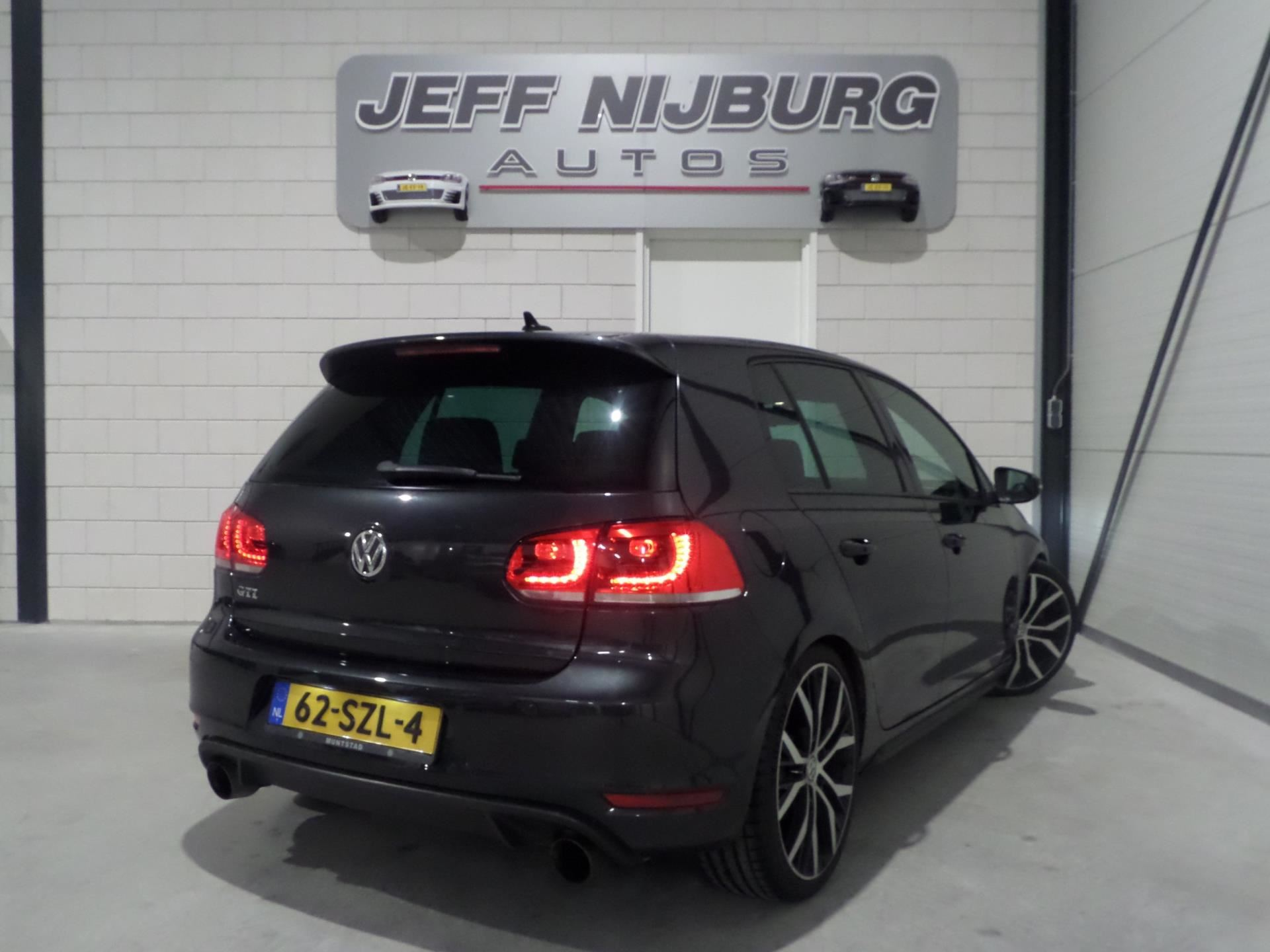 Volkswagen Golf occasion - Nijburg Automotive