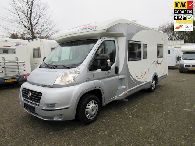 vk Challenger Mageo Queensbed full option 2x airco 130PK 2009
