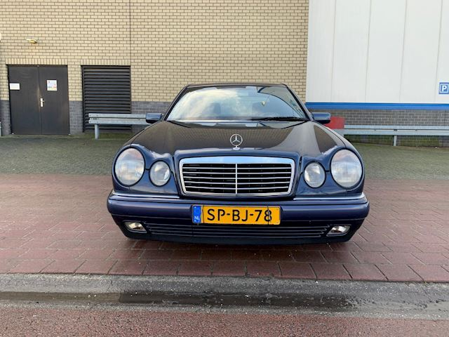 Mercedes-Benz E-klasse 300 TD Avantgarde