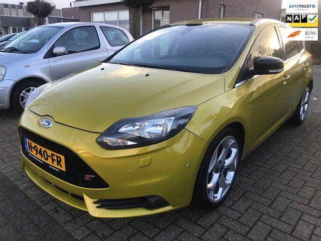 Ford Focus 1.6 Ecoboost ST 150PK 170.DKM ECC RECARO ST LEDER LED APK 22-01-2021