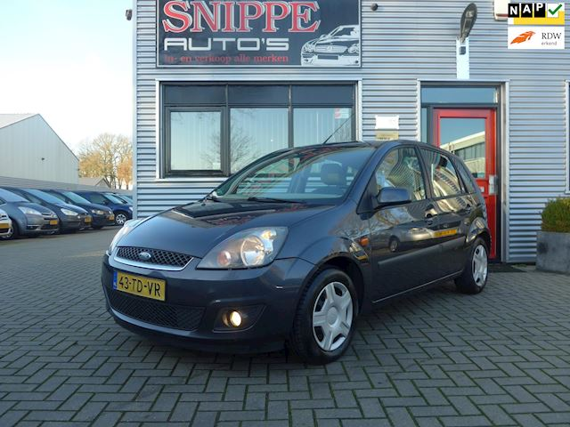 Ford Fiesta 1.4-16V Ghia -5DRS.-AIRCO-TREKHAAK-VOORRUITVERWARMING-RADIO/CD/AUX-